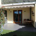 (Italiano) Trilocale con giardino