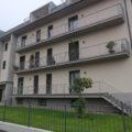 (Italiano) Nuovo con ampio balcone