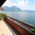 (Italiano) Attico vista lago