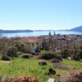 (Italiano) Con vista lago e 2.000mq di terreno